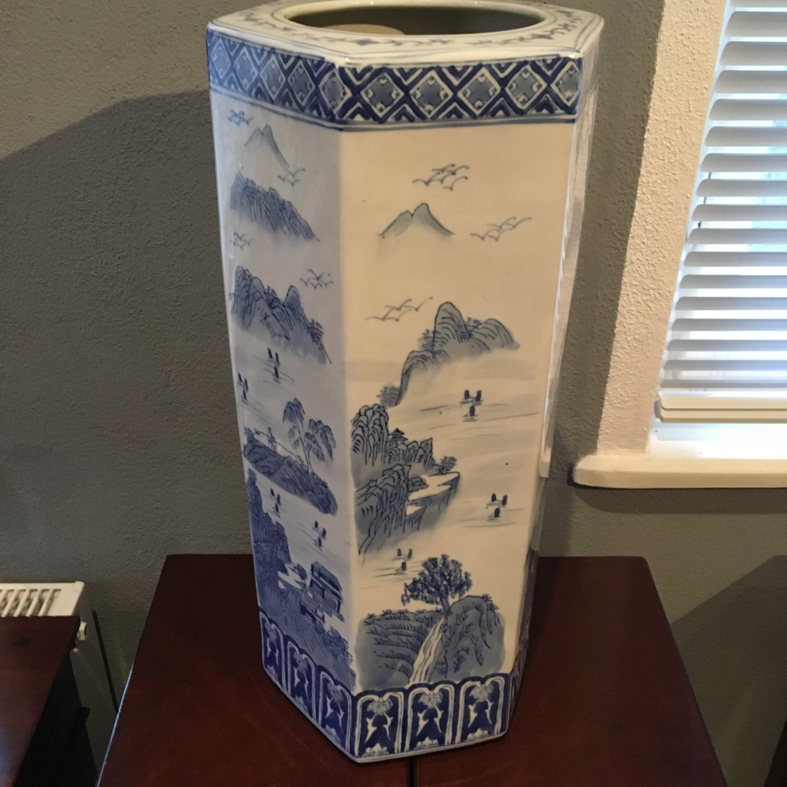Porzellanvase/Sticktand, Blau-weiß, China 20. Jh.