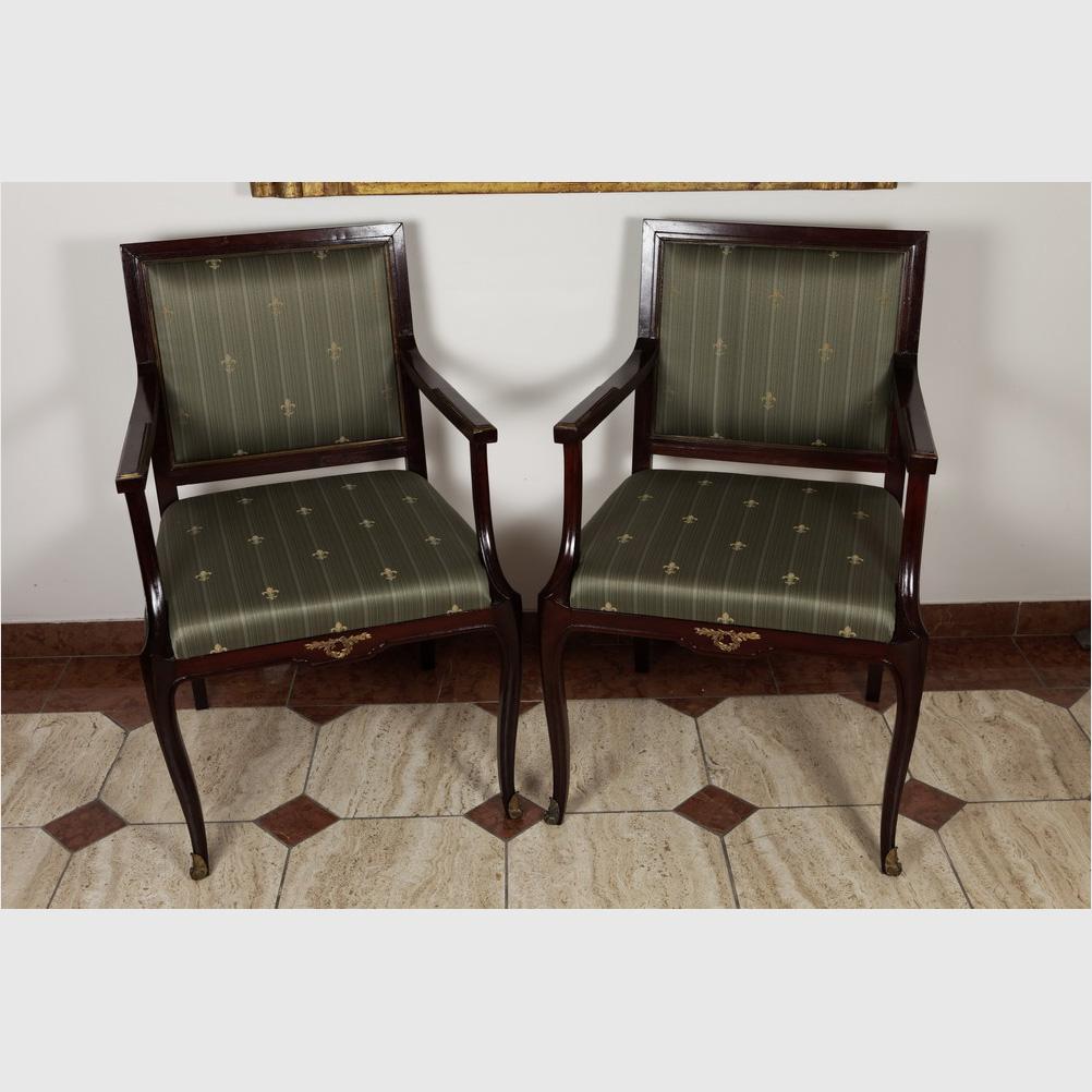 Paar Eleganter Armlehnstühle, Piemont