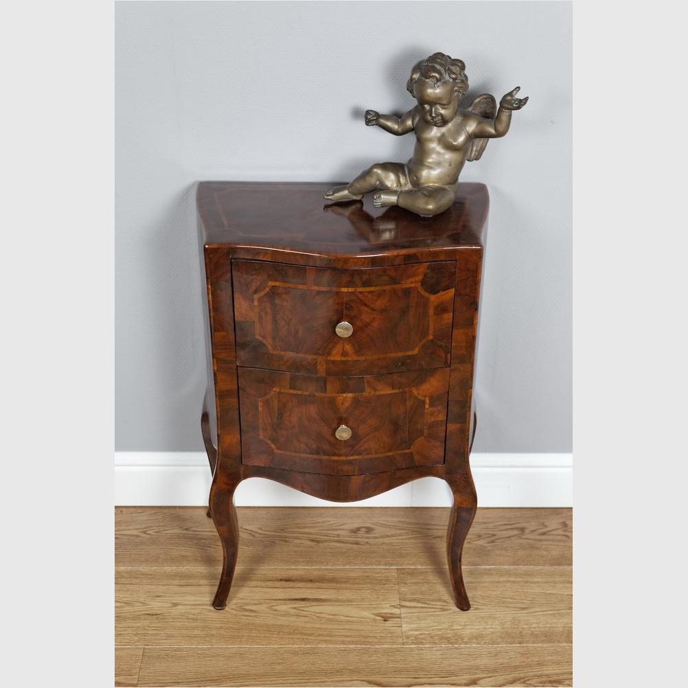 Kleine Kommode Im Louis XV-Stil
