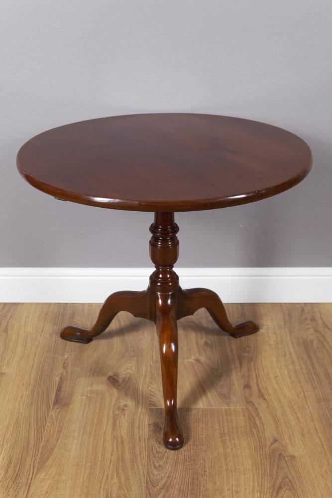 """Runder Beistelltisch, Sog. """"Tripod Table"""""""