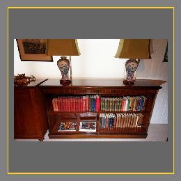 Massives Bücherregal Aus Mahagoni