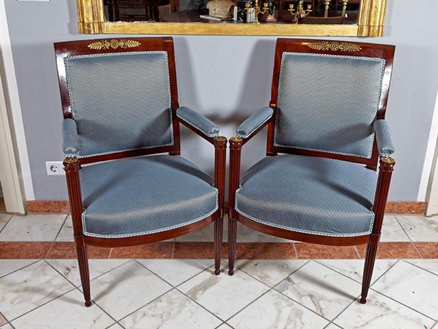 Stühle, Sessel Und Sofas