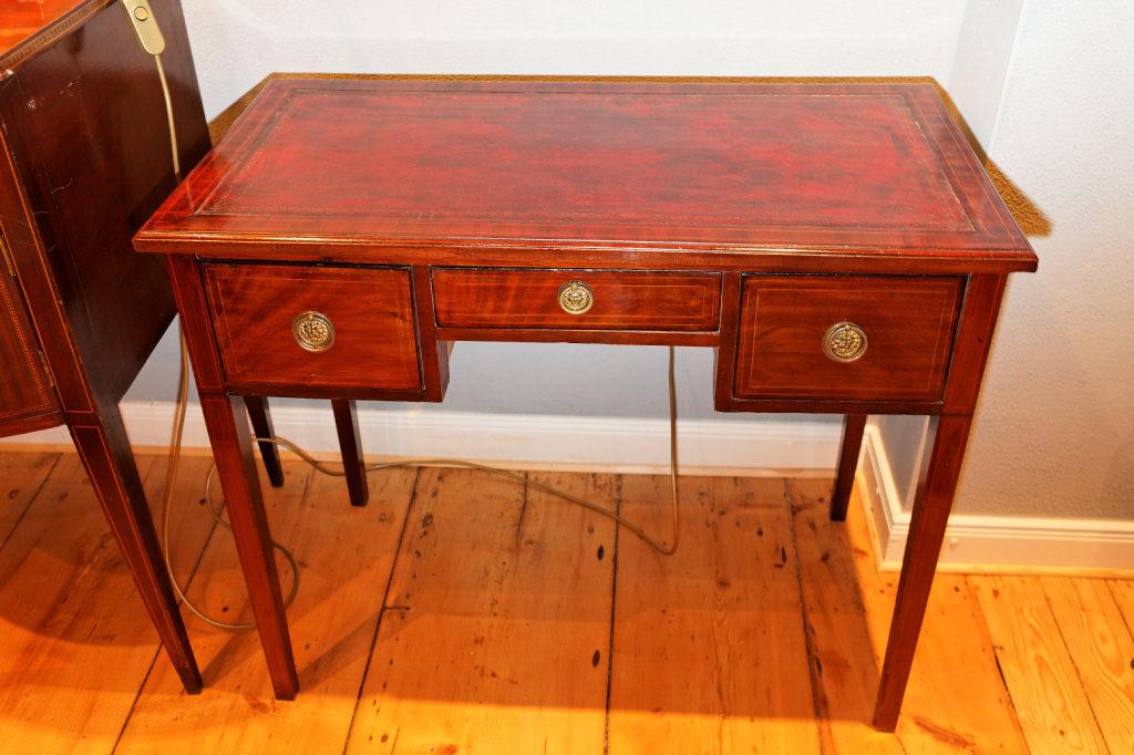 Kleiner Schreibtisch/Beistelltisch Aus Mahagoni