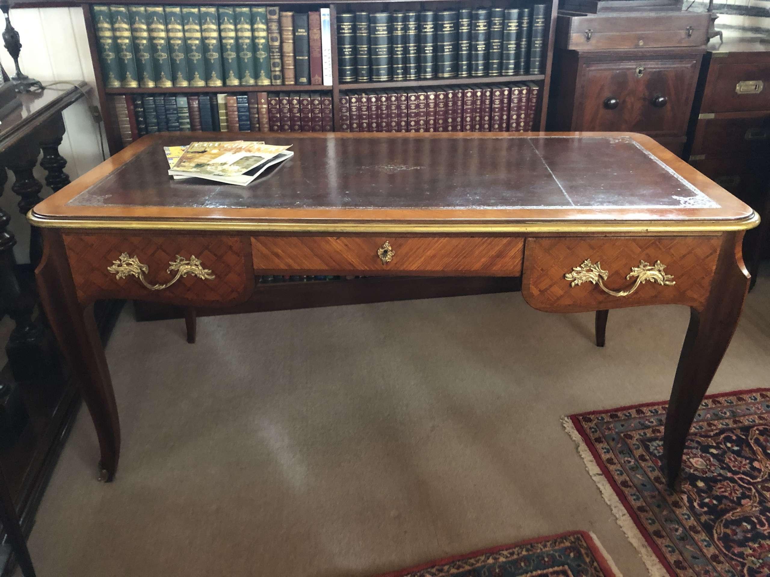 Schreibtisch Im Louis XV-Stil